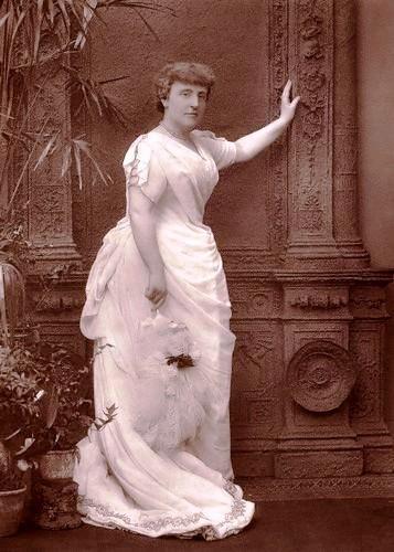 FrancesHodgsonBurnett(1888)byHerbertR.Barraud.jpg