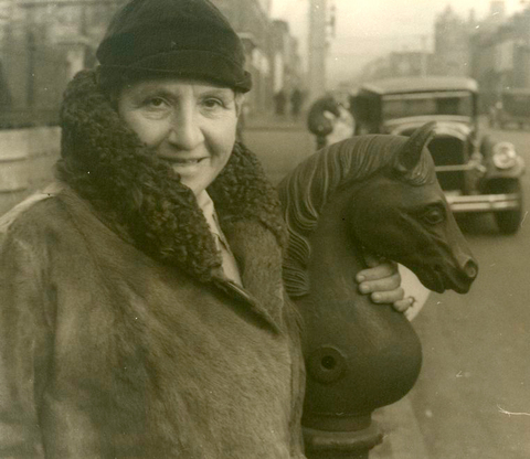 Gertrude Stein, Richmond, Virginia. With an old hitching post. February 7, 1935.jpg